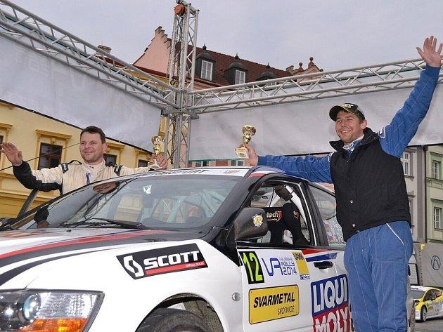 Posádka JP Motorsport teamu Pešl - Pešek na trati Valašské rally 2014.