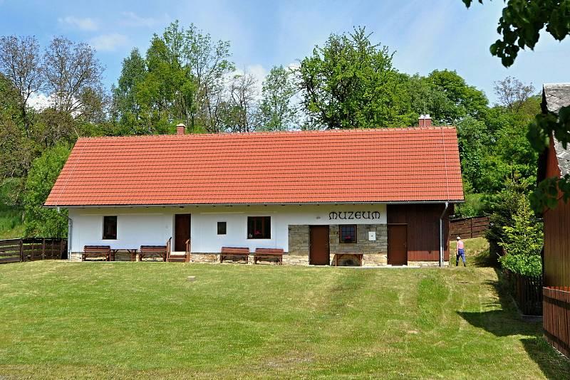Francova Lhota - Muzeum kardinála Štěpána Trochty.