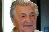 Region – Lesnický odborník a myslivec Alois Indruch, který se zapsal do české historie mimo jiné úspěchy v pěstování buku, oslavil devadesáté narozeniny.