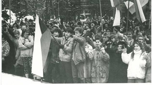 Z listopadové manifestace na Vsetínsku