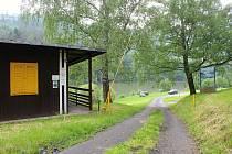 Tábořiště Dolinky u přehrady Bystřička postavili v 60. letech minulého století. Takto vypadá v červnu 2020.