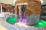 Termální bazén - jeskyně.