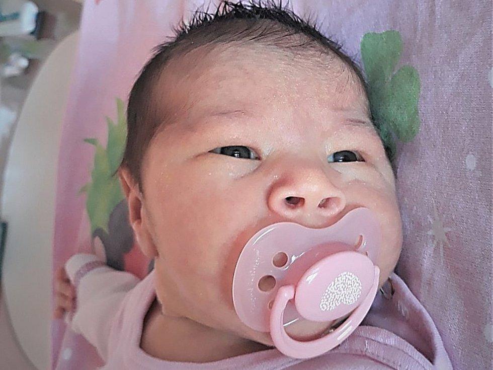 Laura Berousková, Valašské Meziříčí, narozena 2. dubna 2021 ve Valašském Meziříčí, míra 50 cm, váha 3450 g