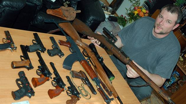 Martin Politzer - sběratel zbraní ze Vsetína