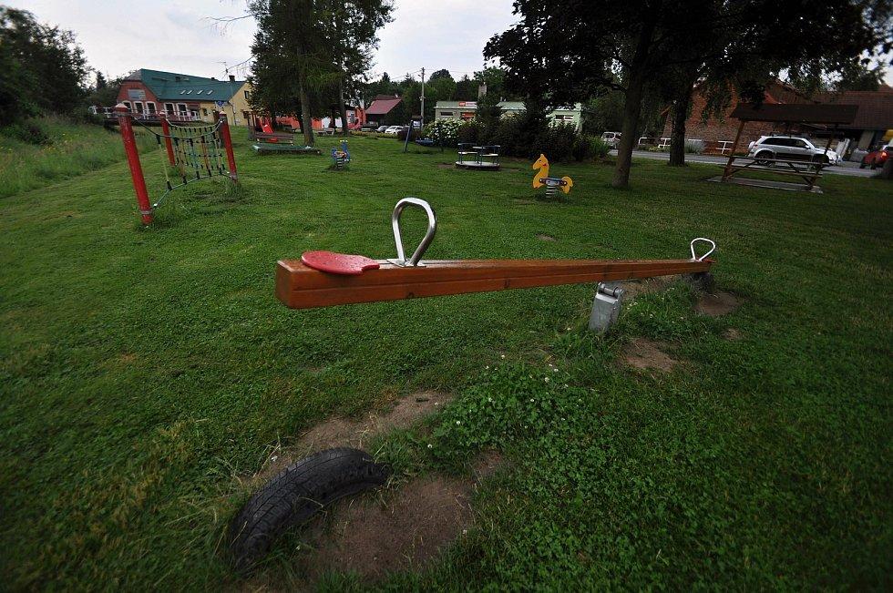 Poličná - dětské hřiště v centru Poličné