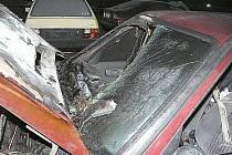 Rozsáhlý požár osobního auta v centru Vsetína