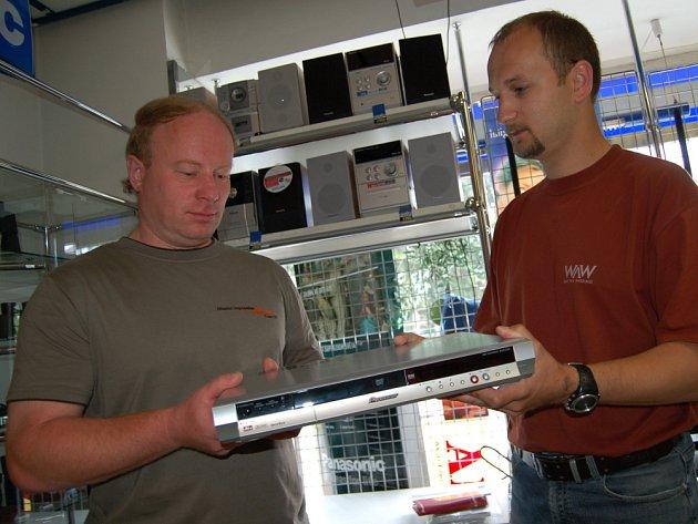Výherce Miroslav Černota (vlevo)