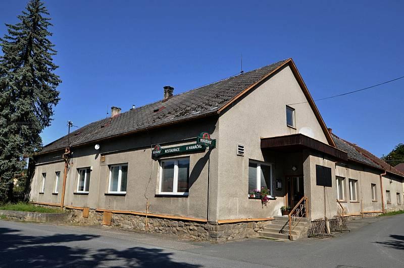 Vidče - restaurace U Hanáčků v centru Vidče