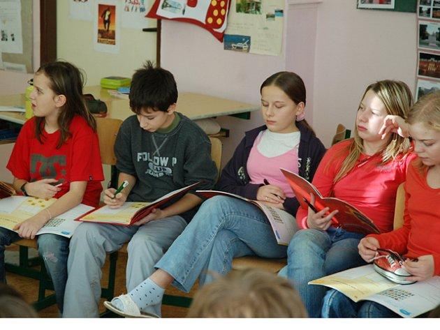 Žáci šesté třídy diskutují o alkoholu