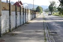 """Halenkovjané i lidé z okolních vesnic se mohou těšit na průjezd obcí bez vyhlídky na tzv. """"berlínskou"""" zeď."""