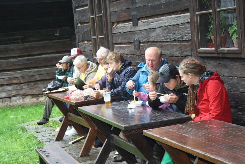 V rožnovském skanzenu oslavovali myslivci devadesáté výročí svého založení