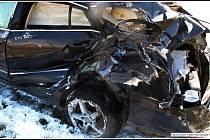 Osmatřicetiletý řidič osobního vozu Škoda Superb nerespektoval výstražné zabezpečovací zařízení a vjel v pondělí 23. března 2020 v Rožnově pod Radhoštěm do cesty vlaku. Na místě zasahovaly všechny složky IZS.