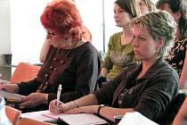 Ve vsetínské Masarykově veřejné knihovně se od středy (15. dubna) koná dvoudenní seminář knihovníků. Nese název Knihovny a senioři
