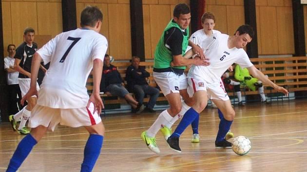 Futsalisté se potkali ve Vsetíně na Generali cupu již popáté. Tentokrát vyhrála reprezentace do 21 let.