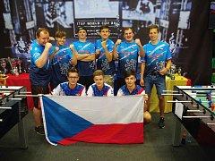 Česká reprezentace a zástupci klubu Foosforlife Team Czech Republic z Rožnova pod Radhoštěm na světovém šampionátu v Rakousku v červnu 2018.