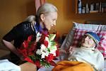 Anežka Zacharová při oslavě 104. narozenin.