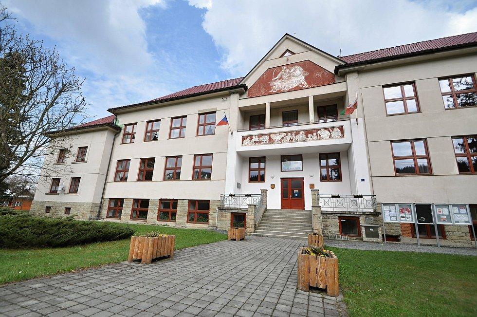 Velké Karlovice - obecní úřad.