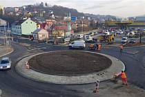 Nový kruhový objezd na vsetínském sídlišti Ohrada se otevře 30. listopadu 2019.