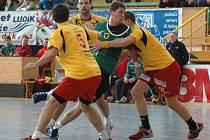 Házenkáři Gumáren Zubří (v zeleném) porazili v obou přípravných zápasech rakouský tým UHK Krems