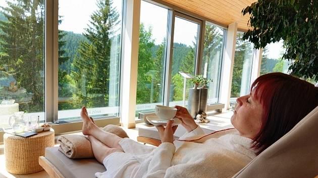 Relaxace na terase Spa hotelu Lanterna.