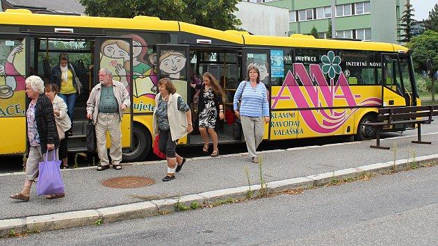 Ve Valašském Meziříčí je od 1. září 2017 městská hromadná doprava pro všechny cestující zdarma.