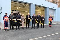 Slavnostní otevření nových garáží na základně Zdravotnické záchranné služby ve Valašském Meziříčí.