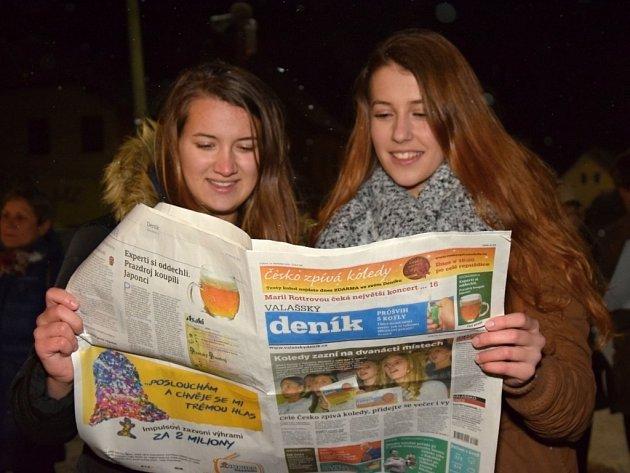 V Janové na Vsetínsku si organizaci akce Česko zpívá koledy vzali ve středu 14. prosince 2016 za své místní dobrovolní hasiči – především hasičská mládež.