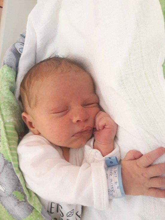 Oliver Kumbár, Oznice, narozen 15. června 2021 ve Valašském Meziříčí, míra 50 cm, váha 3230 g