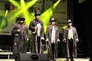 Tahákem sobotního festivalu, na který dorazilo téměř osm set návštěvníků, byla vokální formace 4Tet s Jiřím Kornem.