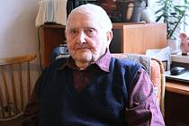 Druhý nejstarší obyvatel Rožnova pod Radhoštěm Bohumil Fojtík oslavil sté narozeniny.