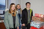 Mezi ty, kteří věnovali dětem nejvíce dárků, patřili žáci Základní školy Vsetín-Rokytnice.