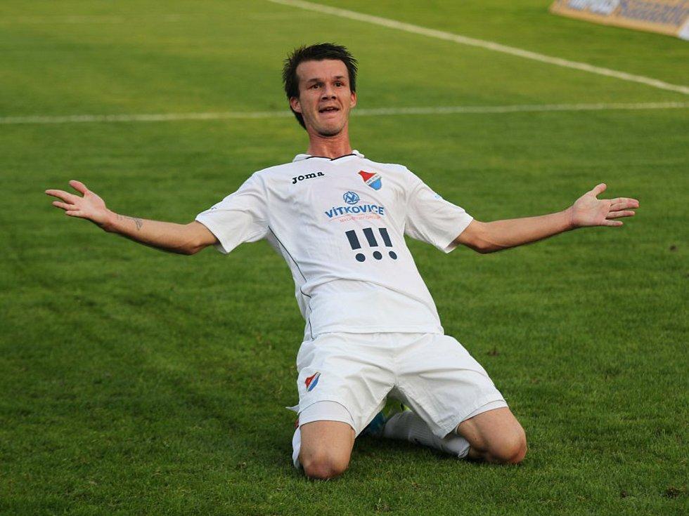 Zkušený záložník Marek Šichor, který dříve hrával ligu za Ostravu, se z Otrokovic vrací do Valašského Meziříčí.