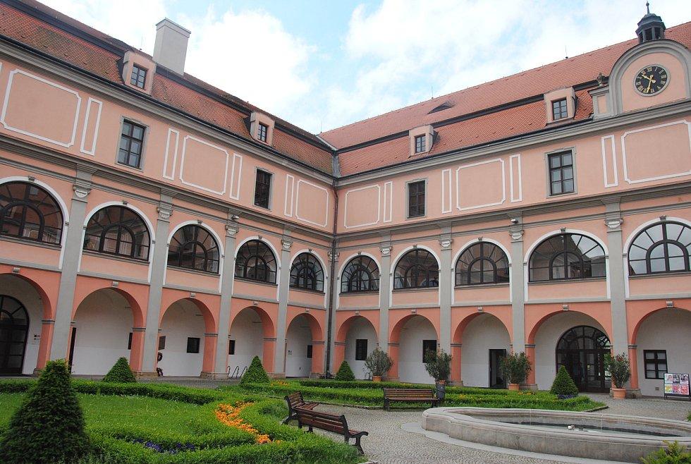 Zámek Žerotínů ve Valašském Meziříčí.