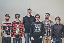 Skupiny Criminal Colection a Punkhart hrají melodický pop-rock.