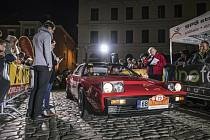 Manželská dvojice Tomáš a Kateřina Adamů sFordem Capri 2600 GT zroku 1973 ovládla v konkurenci 45 posádek poslední červnový víkend premiérový ročník setinové rally pro veterány a klasické vozy Moravian Wallachia Classic 2021.