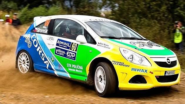 Posádka Stromšík – Měrka na voze Opel Corsa.