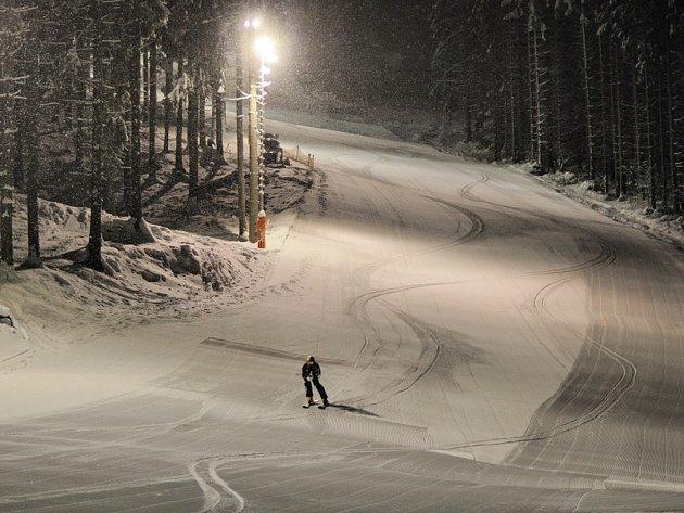 Noční lyžování ve Ski areálu Razula.