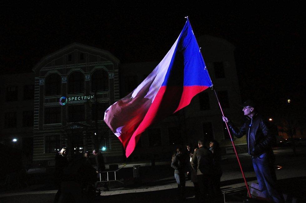 Oslavy 30. výročí sametové revoluce na náměstí Svobody ve Vsetíně; neděle 17. listopadu 2019