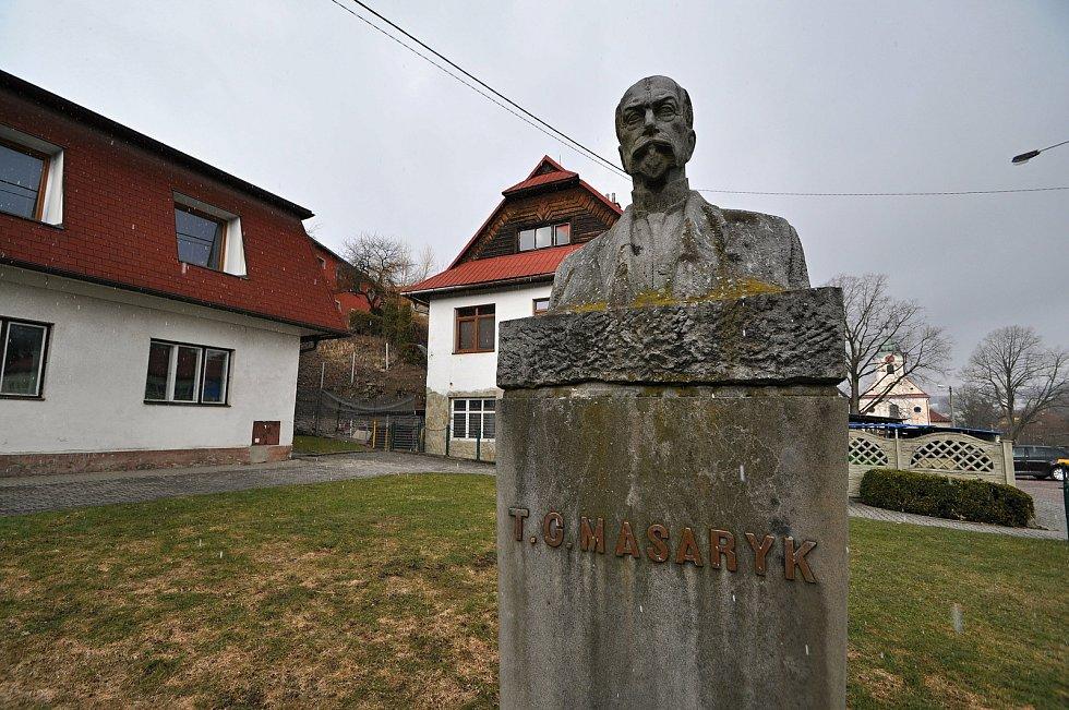 Liptál - památník T. G. Masaryka.