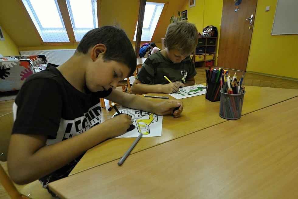 Děti v družině Základní školy Huslenky; 1. září 2021
