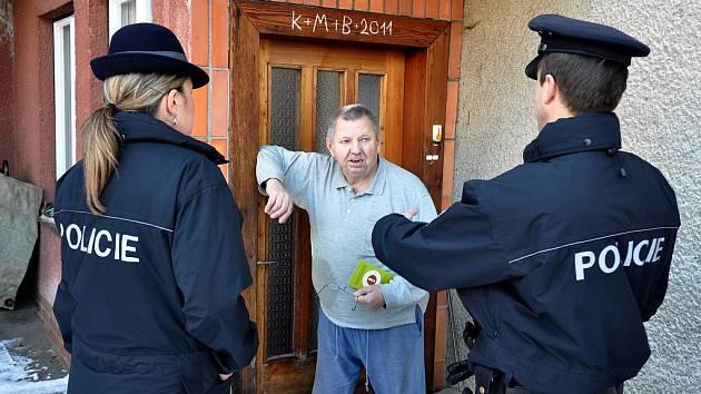 Policisté radili ve čtvrtek 27. ledna seniorům v Liptále, jak se nenechat okrást podvodníky
