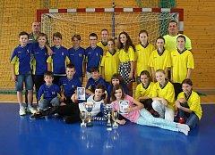 Sportovní hala Na Lapači hostila v úterý závěrečný turnaj Vsetínské školní ligy v házené.