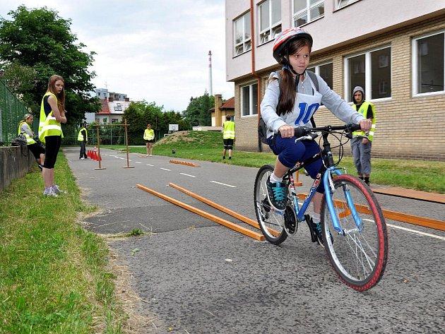 Ve vsetínské Základní škole Trávníky se ve středu 1. června konalo krajské kolo Dopravní soutěže mladých cyklistů