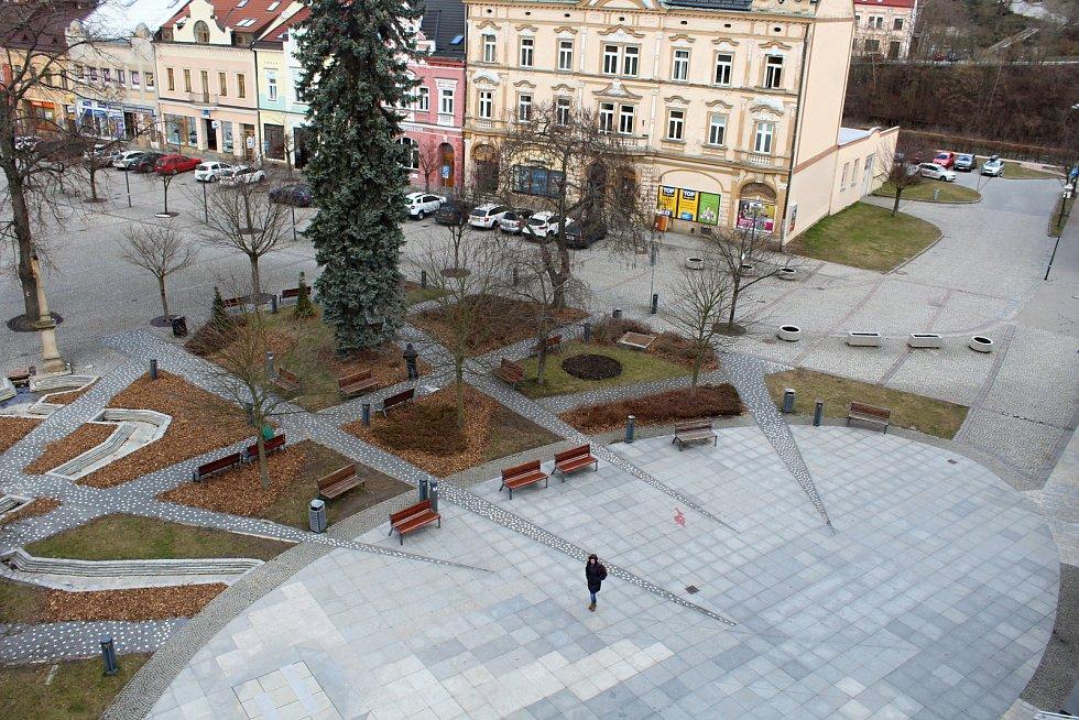 Dolní náměstí ve Vsetíně čeká generální oprava. Takto vypadalo 12. března 2019.