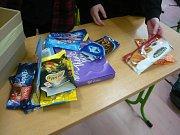 Žáci vsetínské ZŠ Sychrov se zúčastnili soutěže o sběr obalů od potravin bez palmového oleje.