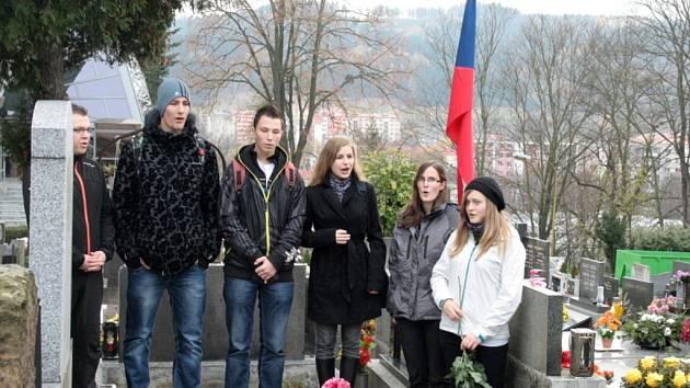 Členové sboru Sonet Masarykova gymnázia Vsetín