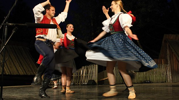 Valašský soubor písní a tanců Radhošť oslavil sedmdesátiny