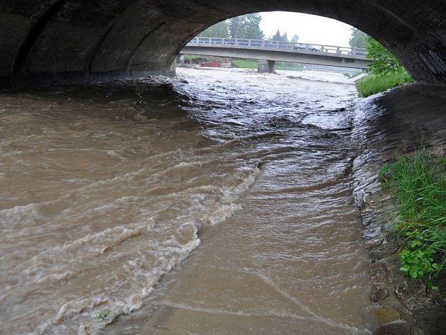 Řeka Bečva u Jablůnky; pátek 16. května 2014
