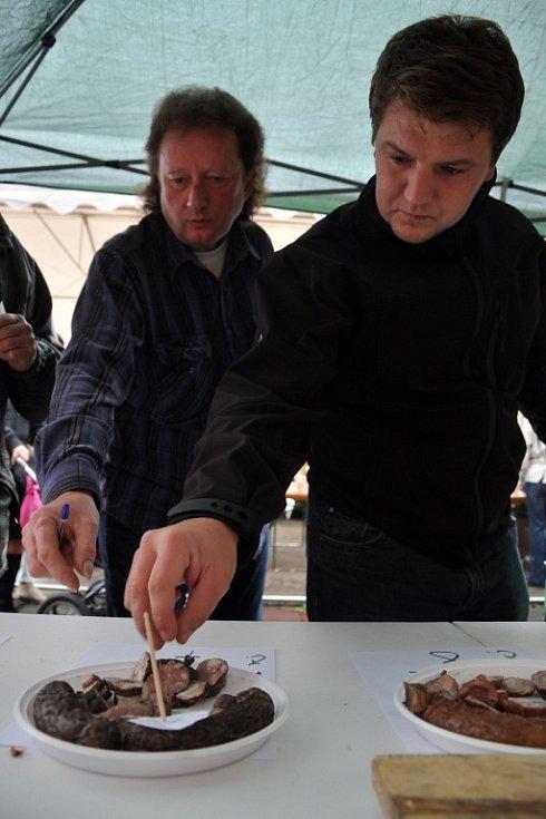 Hodový Jarmark v Ratiboři s ukázkami řemesel, prodejními stánky a soutěží o nejlepší klobásu