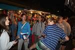 Ve Vsetíně byl v pátek 5.9 zahájen XVI. ročník Valašského záření.Program trval dlouho do noci.